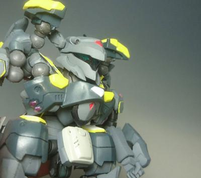 Vf25ssp_battroid_02